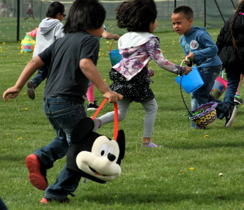 04-08-17 Page Early Childhood:Easter Fair-014